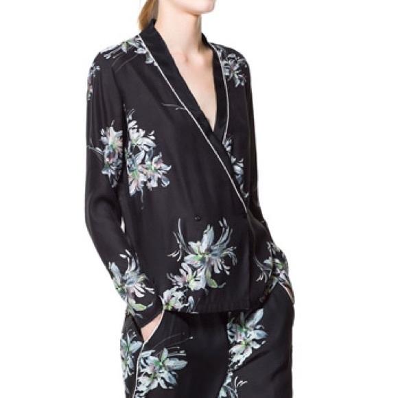 0efc504c7f Zara silky floral print pajama shirt S. M 555c133377adea65ff001d07