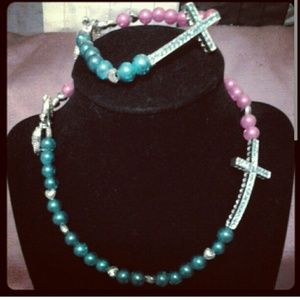 Women's necklace and bracelet cross set