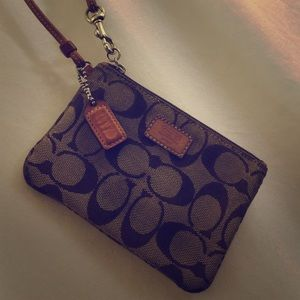 COACH Signature C Canvas Brown Small Wristlet