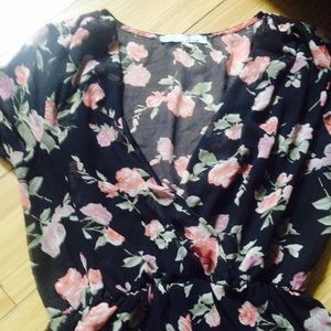 Cecico Dresses - Cute Flowery Shorts With Long Sleeve Romper 💕