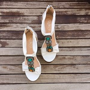Shoes - SALE💚Tribal jeweled wedges