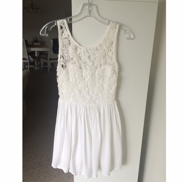 Galerry white lace dress xs