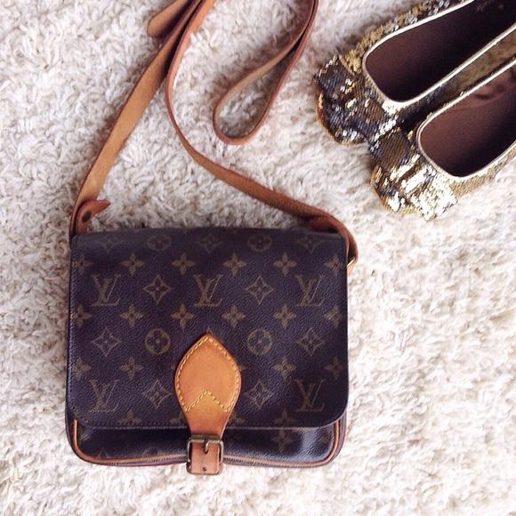 24197d59bc22 Louis Vuitton Handbags - Louis Vuitton Cartouchiere MM cross body