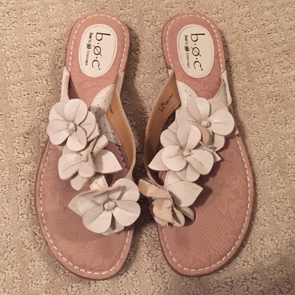 Born shoes boc flower white tan flipflop sandals 7 poshmark boc born flower white tan flip flop sandals 7 mightylinksfo