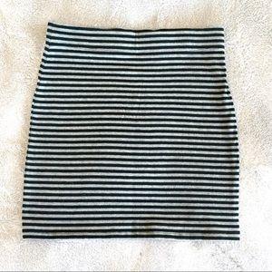 Dresses & Skirts - Gray and Black Striped H&M Skirt