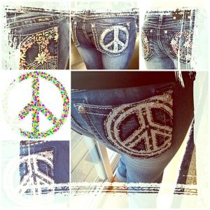 Miss Me Capris 🆕🎆☮peace and kisses