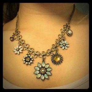 Jewelry - Flower design statement necklace