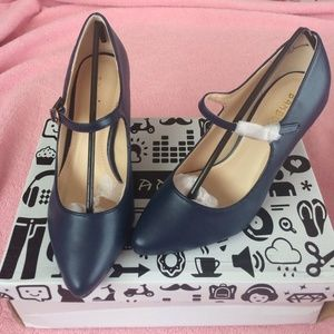 Bamboo Navy Pumps