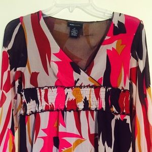 Long-sleeved patterned top