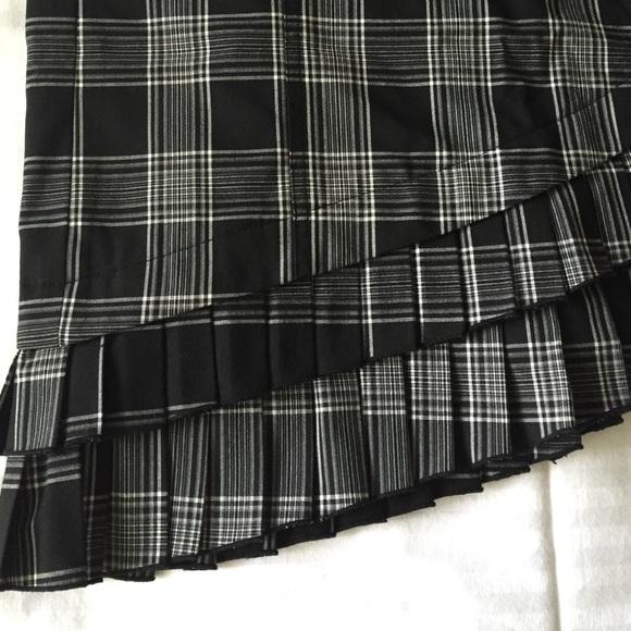 68 off bebe dresses skirts bebe black white plaid asymmetrical hem skirt 6 from olga 39 s. Black Bedroom Furniture Sets. Home Design Ideas