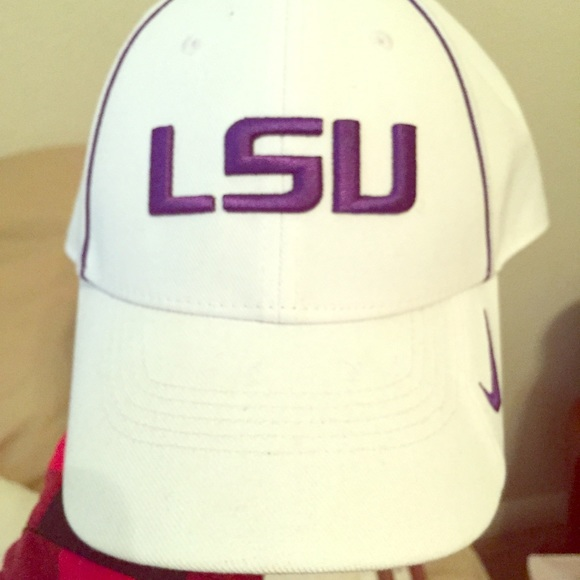 Nike Other - LSU Nike DRI-FIT hat 6966d76003a