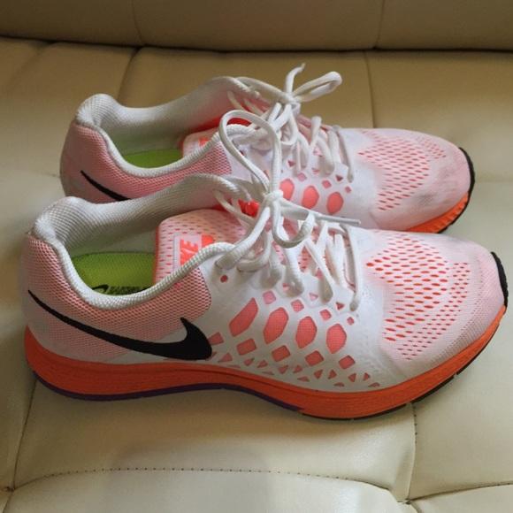 new styles d4dc2 f3cf6 Nike air zoom Pegasus 31 women s purple orange. M 555e471051e9ea2f9c0043b8