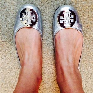 Tory Burch Silver Metallic Flats w/ Silver Emblem