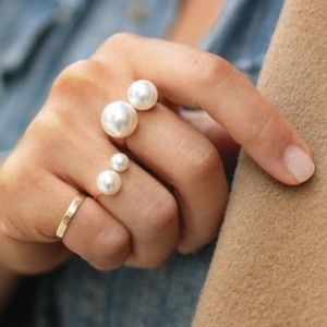Jewelry - Double pearl ring adjustable statement white gold