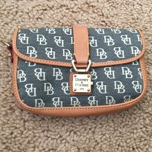 DOONEY & BOURKE SMALL POUCH