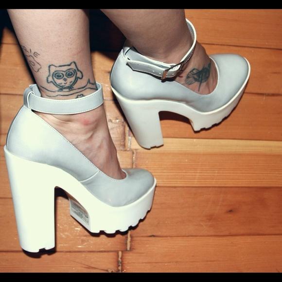 efc876c781e Forever 21 Shoes - ☁️Lug sole platform pumps☁️