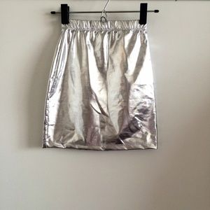 ✨HP✨ Motel Rocks Shiny Silver Mini Skirt NWOT