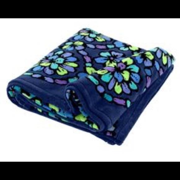 0af2ad5274f Vera Bradley Other   Iso Indigo Pop Throw Blanket   Poshmark