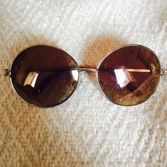 832c47a031 ... THIS ITEM IS SOLD! Zara round gold frame sunglasses.  M 555f6ae1a88e7d6b19002731