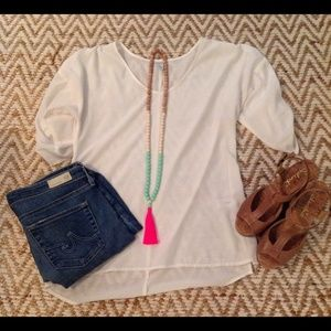 Old Navy Tops - 🚚DONATING MAKE AN OFFER🚚 Old Navy Cream Top