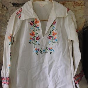 Vintage Tops - Floral Mexican Embroidered Tunic Blouse