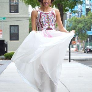 Dresses & Skirts - Aztec maxi dress