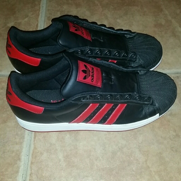 black and red shell toe adidas