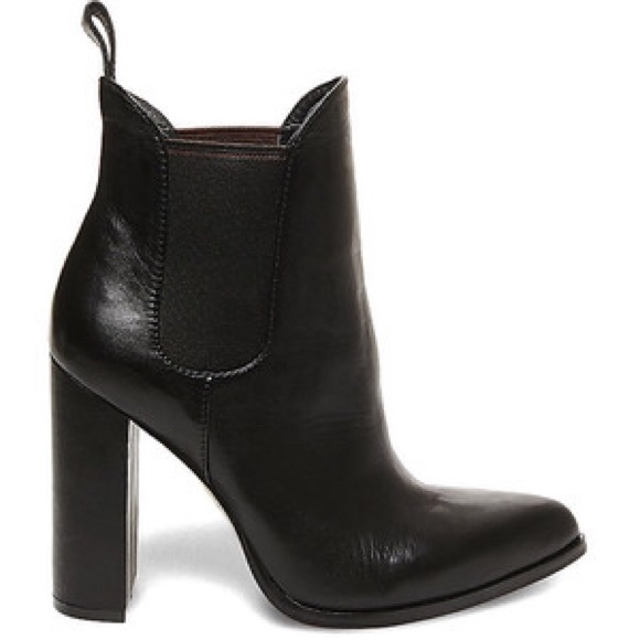 5230d5a09f0 *NWT* Steve Madden TOXICCC Ankle Boot NWT