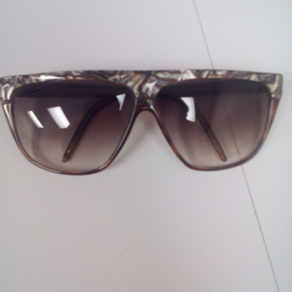 06acfed5e0 Laura Biagiotti Beautiful Vintage Sunglasses For Women Made In