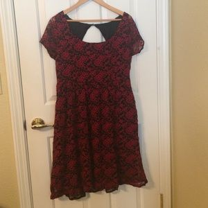 Plus size Red floral lace dress (size 2 in Torrid)