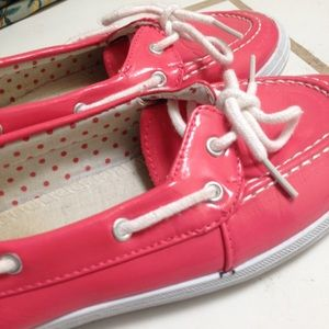 Boat shoe style fashion slip ons