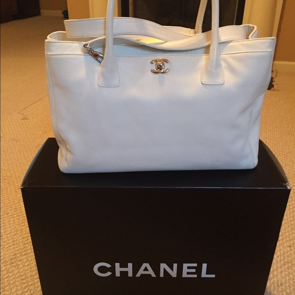 prada leather purse - CHANEL - AUTH CHANEL Caviar Cerf Executive Tote White NICE from ...