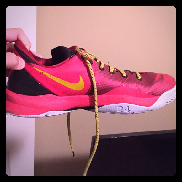 new products c3ad8 fb09a Nike Other - Kobe 8 (red gold) venonmenon size 11.5 men s