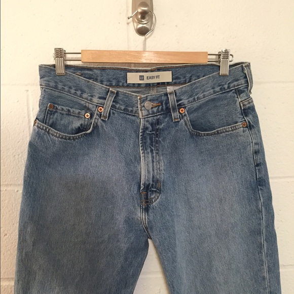 Choose from a popular array of Gap jeans styles including boot fit, loose fit, skinny fit and more. Shop for men's, women's and kid's Gap jeans including maternity and special extended sizes for superior selection. Add some quality to your casual dress wardrobe with the comfortable, classic designs of Gap jeans.