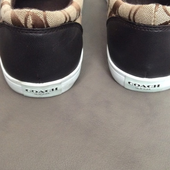 68 coach shoes coach and white logo slip on