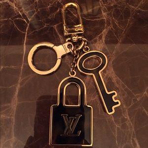 Louis Vuitton Confidence Key Holder/Bag Charm