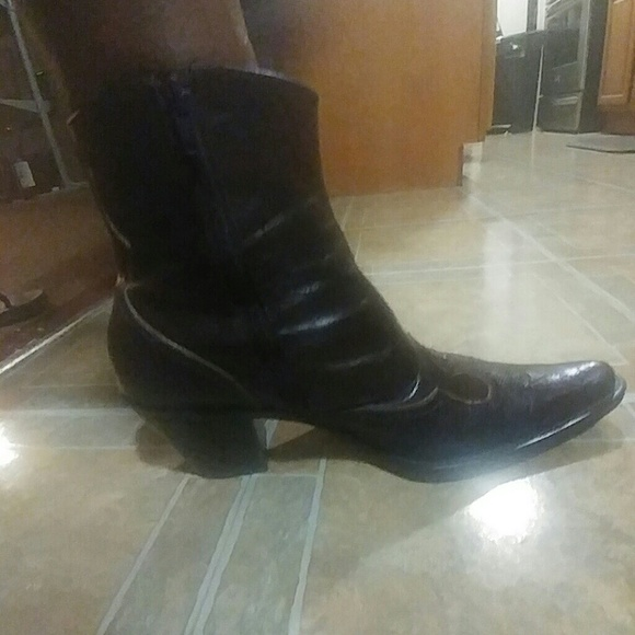 60 shoes alligator tip cowboy boots from tracey