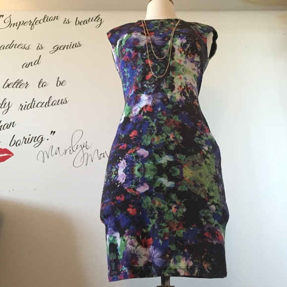 H&M Dresses - Fitting #floral midi #dress! 💞💞