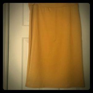 NWOT Gold body con skirt, sz XL