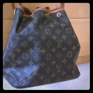 Louis Vuitton Noe drawstring. AUTHENTIC