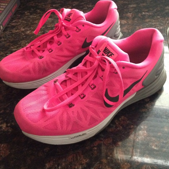 size 40 56d5b 608df Womens nike lunarglide 6 shoes hot pink with gray.  M 55623c542fd0b74c9c008e05