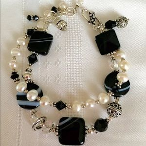 Laurie Gale Designs Jewelry - Lovely glass bead bracelet-by Laurie Gale Designs