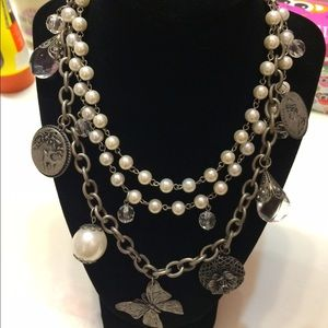 Accessories - SOLD! cute fashionable statement necklace!
