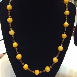 Accessories - single layered necklace with 2 wooden bangles