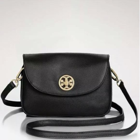 aebf94149431a Tory Burch Mini Robinson Crossbody in Black. M 563052ba8e1c61d5840046e6