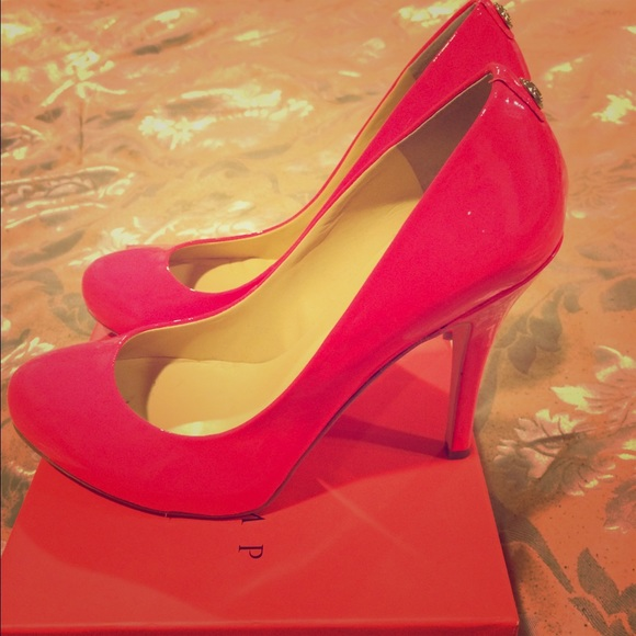 be3fac1a88d5 Ivanka Trump Shoes - Hot Pink Round Toe Pumps