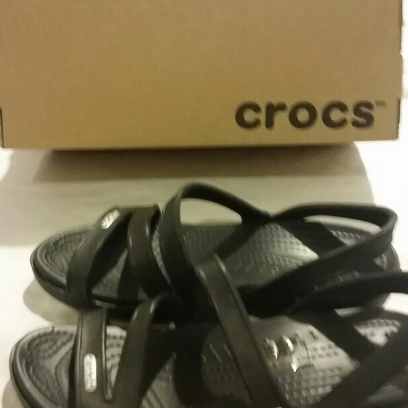 267350c60292 Cute black lightweight crocs. Never worn