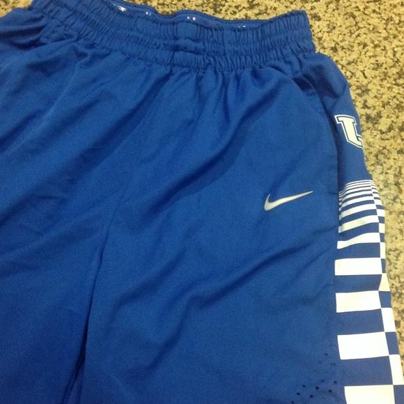 75 Off Nike Outerwear Kentucky Wildcats Basketball