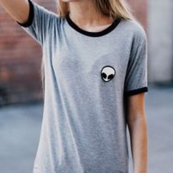 Bien connu Brandy Melville - Alien patch shirt from Ashley's closet on Poshmark PL87