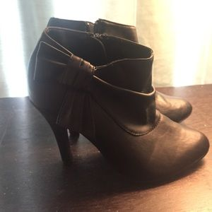 Size 6 black ankle booties